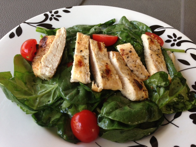 Spinach salad with chicken 1